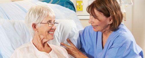 Сиделка для больного: как выбрать?