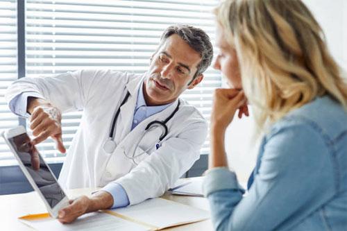 Как выбрать хорошего врача? На что обратить внимание?