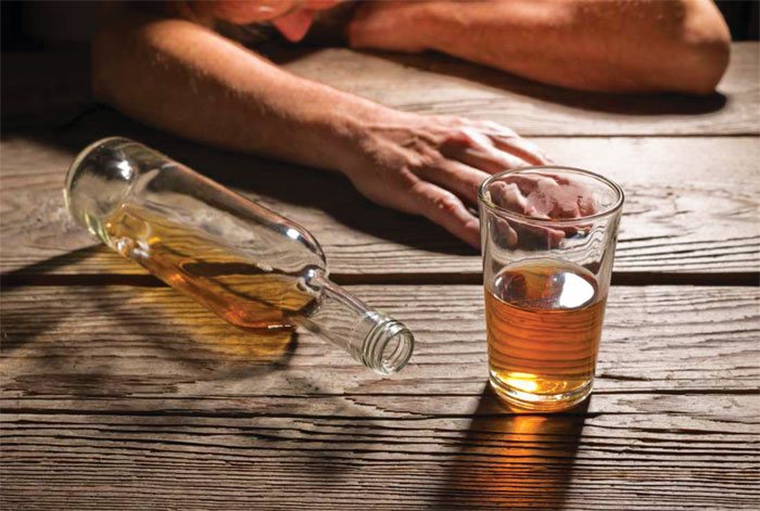 Алкоголизм: явные и скрытые симптомы