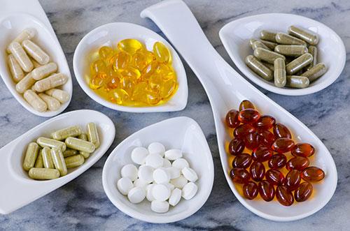 Чем отличаются витамины и БАДы?
