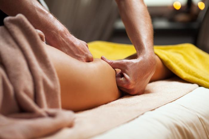 Антицеллюлитный массаж: особенности и цели