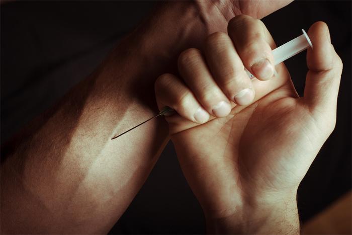 Опасные наркотические вещества. Когда нужен нарколог на дом?