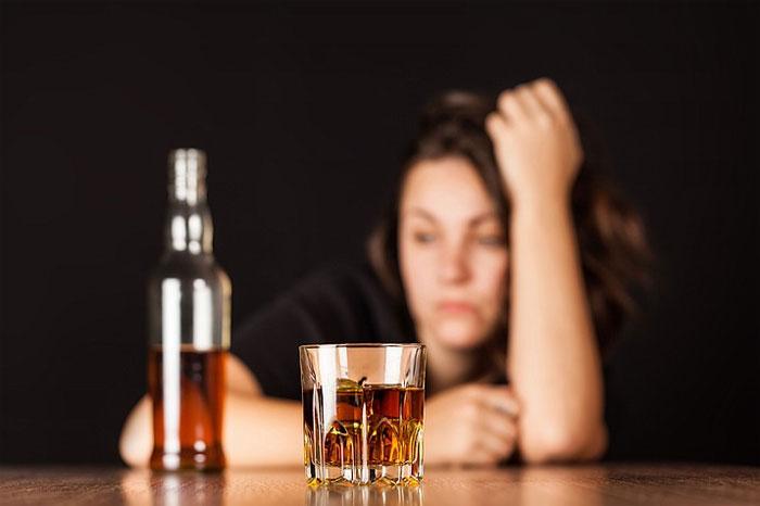 Лечение женского алкоголизма: особенности и специфика
