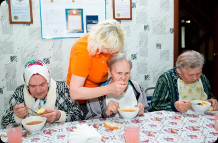 Плюсы проживания в частном доме для престарелых людей